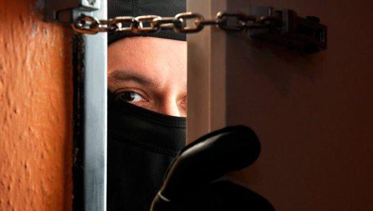 Житель Сочи грабил квартиры, подбирая ключи к входным дверям
