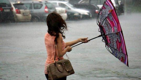 Сильный дождь и ветер прогнозируют синоптики в Сочи