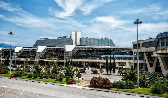 Аэропорт Сочи эвакуировали из-за угрозы взрыва (ВИДЕО)