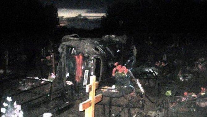 В ДТП на кладбище в Татарстане погибла девушка