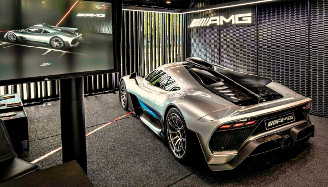 Старт производства Mercedes-AMG One отложен