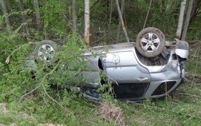 В Красноборском районе при опрокидывании автомобиля погиб водитель
