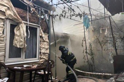 Крупный пожар в двухэтажном доме потушили в центре Сочи (ФОТО+ВИДЕО)