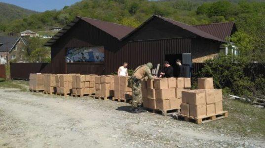 Более десяти тонн контрафактного алкоголя обнаружили на складе в Сочи