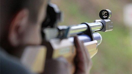 Житель Сочи открыл стрельбу из пневматического оружия с балкона дома