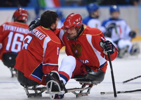 Сборная России досрочно стала победителем турнира по следж-хоккею в Сочи