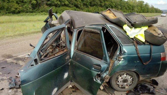 В Башкирии в ДТП с «Геликом» погибли два человека