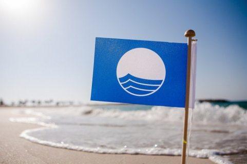 В Сочи 13 пляжей получили международную награду «голубой флаг»