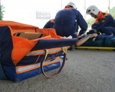 Спасатели МЧС эвакуировали из леса в районе села Ореховка пострадавшую женщину